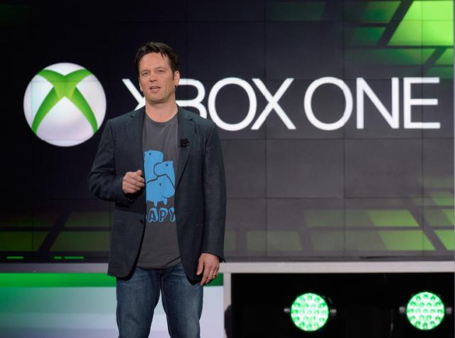 Phil Spencer talks Xbox One Parity Clause