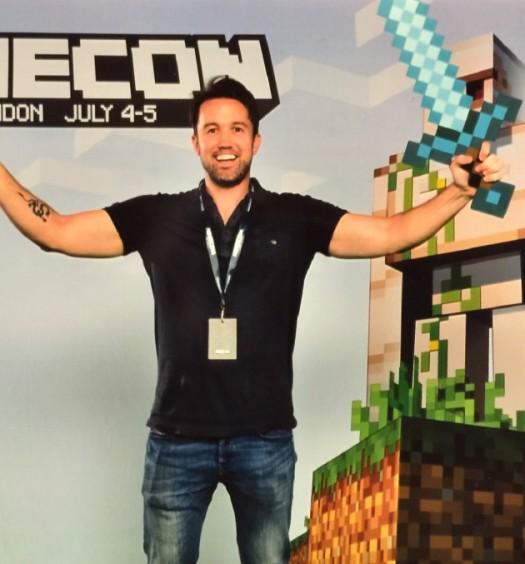 Rob McElhenney - Minecraft